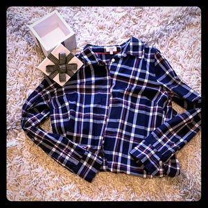 👔CROWN & IVY PLAID BUTTON-UP👑